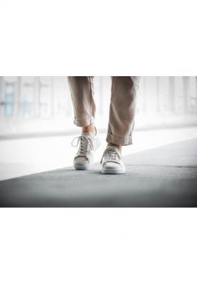 BY9846_ADIDAS_CAMPUS__női_sportcipő__felülről