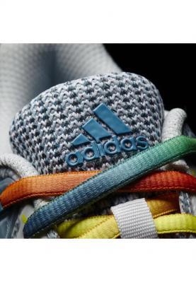 AQ6124_ADIDAS_COURT_STABIL_13_W_női_kézilabda_cipő__elölről