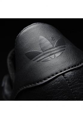 BB5497_ADIDAS_GAZELLE_unisex_sportcipő__felülről
