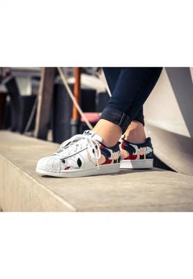 S80289_ADIDAS_SUPERSTAR_női_sportcipő__alulról