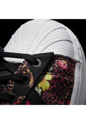 S80483_ADIDAS_SUPERSTAR_női_sportcipő__hátulról