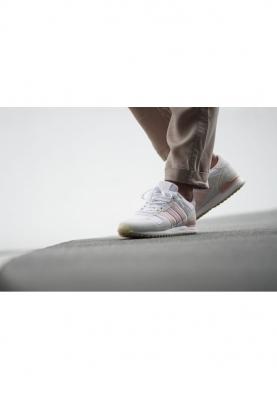 BY9389_ADIDAS_ZX_700_női_sportcipő__elölről