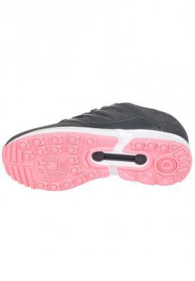 B34035_ADIDAS_ZX_FLUX_2.0_W_női_sportcipő__elölről