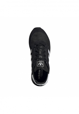 EE4923_ADIDAS_MARATHON_TECH_férfi_sportcipő__elölről