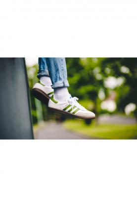 EE7055_ADIDAS_SAMBA_férfi_sportcipő__alulról