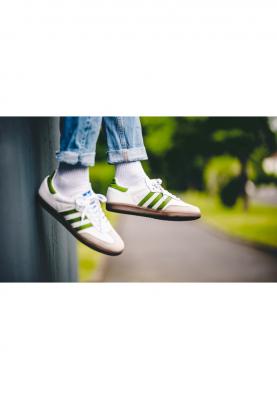 EE7055_ADIDAS_SAMBA_férfi_sportcipő__felülről